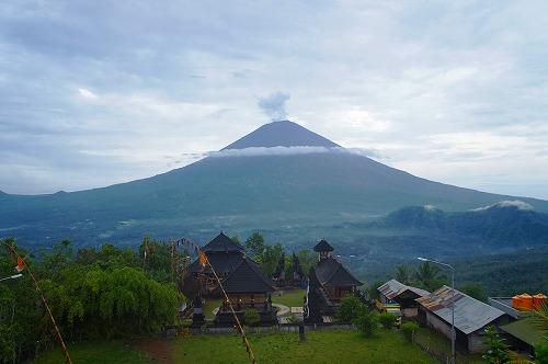 ラン アグン山.jpg