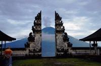 【アグン山最新情報】バリ島の聖なるアグン山に会いに『天空の寺院』へ!@ランプヤン寺院